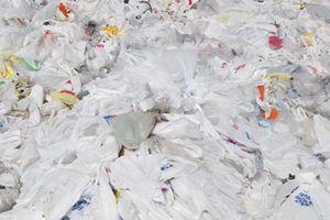 Nhà bán lẻ Anh Co-op vừa công bố kế hoạch xử lý ô nhiễm nhựa