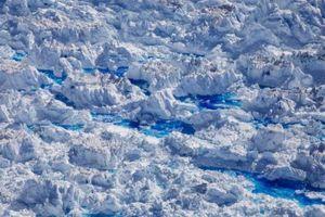 Dấu hiệu càng rõ ràng của biến đổi khí hậu khi sông băng Greenland tan vỡ