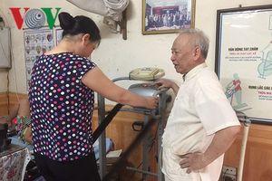 Phòng khám của 'ông tiên' mang niềm vui đến cho bệnh nhân nghèo