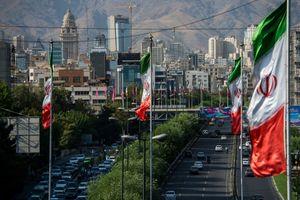 Iran cảnh báo Mỹ 'đừng mơ' giành chiến thắng với các đòn trừng phạt