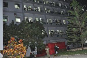 Em gái không cho hút thuốc lá, người đàn ông ở Quảng Ngãi đòi nhảy lầu tự tử