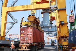 Dự báo kinh tế Việt Nam tăng trưởng 6,9% năm 2018, lạm phát cao nhất 4%