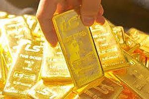 Bất thường: Fed tăng lãi suất, USD suy giảm đẩy giá vàng tăng