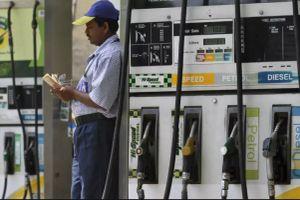 Kinh tế Ấn Độ gặp nguy vì giá dầu tăng mạnh