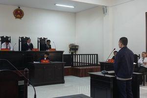 Luật sư bị hại bất ngờ bào chữa cho bị cáo trong vụ giao cấu