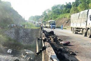 Ngày 27/9, thông đường tạm qua cao tốc Nội Bài - Lào Cai nơi xe bồn bị nổ
