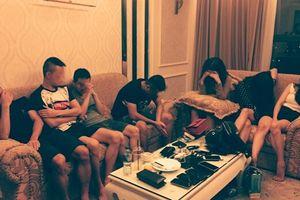 Bắt nhóm đối tượng 'phê' ma túy trong khách sạn