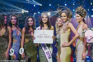 Hoa hậu Ukraine bị tước vương miện sau 1 tuần đăng quang vì có con