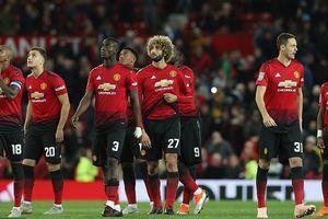 Romero ăn thẻ đỏ, MU bị Derby loại khỏi Cup Liên đoàn