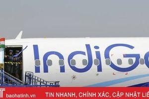 Nam hành khách bị đuổi xuống máy bay vì cố vào buồng lái sạc điện thoại