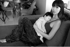Dù nuôi con thoáng kiểu Tây nhưng Hà Anh vẫn khiến mẹ bỉm sữa đồng cảm khi chia sẻ điều này