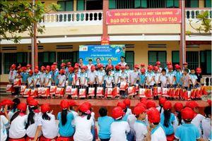 'Cùng em tới trường' trao niềm vui tới hàng ngàn em nhỏ