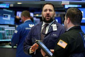 Cổ phiếu con chip kéo chứng khoán Mỹ giảm điểm