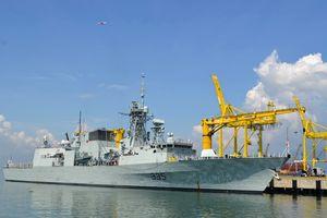 Tàu Hải quân Canada thăm hữu nghị TP Đà Nẵng