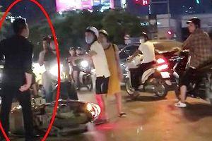 Va chạm giao thông, nam thanh niên xô xát với bà bầu