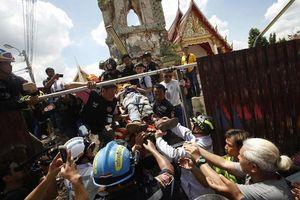 Sập tháp chuông ở Thái Lan khiến 12 người thương vong