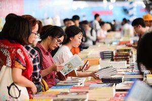 Những loại sách nào đang kiếm bộn tiền?