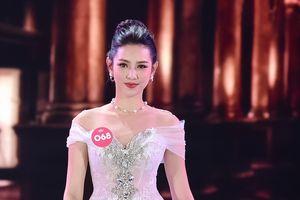 Top 5 Hoa hậu Việt Nam làm việc 18 tiếng/ngày, kiếm từ 60.000 đồng