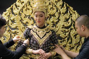 Trang phục dân tộc lộng lẫy của Hoa hậu Hòa bình Thái Lan 2018