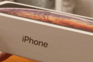 Video đập hộp iPhone Xs Max bản màu vàng cực đẹp
