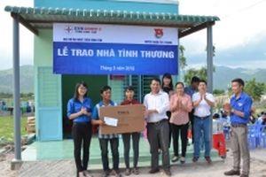 Trao nhà tình thương cho hộ nghèo ở Tuy Phong