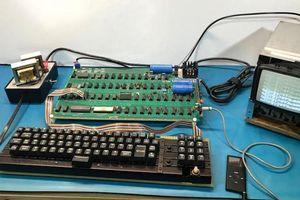 Thêm một máy tính cổ Apple-1 đấu giá thành công