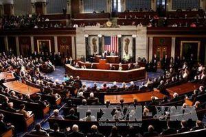 Quốc hội Mỹ thông qua gói chi tiêu 854 tỷ USD, kịp ngăn đóng cửa chính phủ