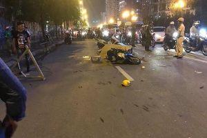 Hà Nội: Cột sắt rơi xuống đường khiến 1 người tử vong