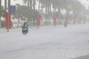 Dự báo thời tiết đêm 27 ngày 28/9/2018: Bắc Trung Bộ mưa rất to, đề phòng lốc sét
