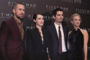 Nam tài tử Ryan Gosling lịch lãm xuất hiện trong buổi công chiếu 'Bước Chân Đầu Tiên' tại Paris