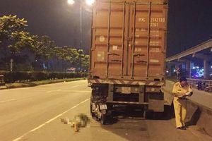 Xe máy đi vào làn đường dành riêng cho ôtô: Cái chết được báo trước