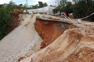 Sạt lở nghiêm trọng trên tuyến đường đi Suối Vàng - Đà Lạt