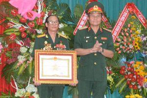 Lữ đoàn Đặc công 198 trao tặng danh hiệu Anh hùng LLVT nhân dân cho Đại tá Lê Mạnh Hùng, nguyên Lữ đoàn trưởng