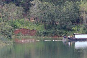 Tháo dỡ bờ kè xây dựng 'chui' tại hồ Tuyền Lâm - Đà Lạt