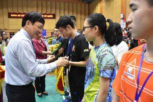 Sôi nổi Giải Cầu lông Học sinh - Sinh viên TP Hà Nội tranh Cúp báo Tuổi trẻ Thủ đô lần thứ V