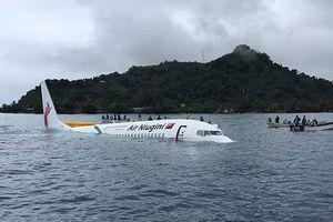 Máy bay lao xuống đầm phá, toàn bộ hành khách thoát chết thần kỳ