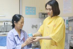 Quảng Ninh: Một phụ nữ suýt mất mạng do tự ý truyền dịch ở nhà