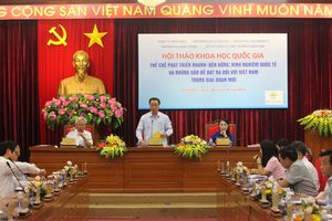 Thể chế phát triển nhanh-bền vững: Kinh nghiệm quốc tế và những vấn đề đặt ra đối với Việt Nam trong giai đoạn mới