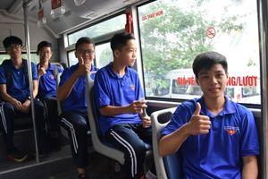 Thanh niên Thủ đô hào hứng trải nghiệm Xe buýt màu xanh