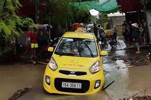 Lái xe taxi bị nước cuốn trôi: Tai nạn đã được báo trước(?)