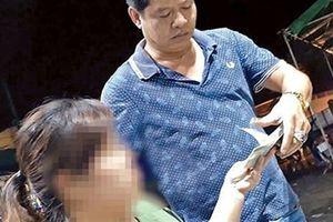 Bảo kê thu tiền xe tại chợ Long Biên: Thông tin nóng