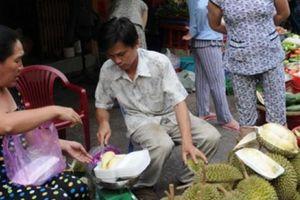 Sầu riêng tăng 'sốc' gần 100.000 đ/kg, nông dân ám ảnh nạn bảo kê