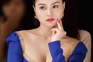 Siêu mẫu Việt từng bị ông trùm Hollywood gạ gẫm tình dục giờ ra sao?