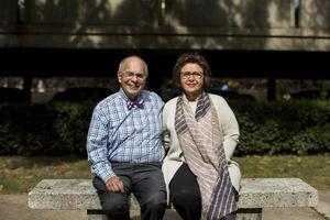 Cặp vợ chồng Mỹ 'giải mã' chứng khó đọc