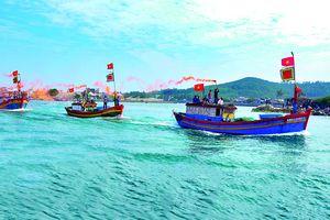 Đoàn kết giữa biển khơi