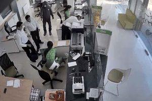 Sau nhiều vụ cướp ngân hàng, tiệm vàng, Bộ Công an chỉ đạo khẩn
