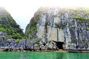 Khám phá hang Hồ Động Tiên