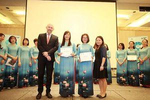 Nữ trưởng khoa tạo cơ hội thực tập cho sinh viên nữ