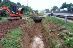 Khắc phục các điểm ngập lụt trên quốc lộ 1