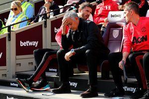 M.U đại bại, HLV Mourinho chờ ngày chia tay